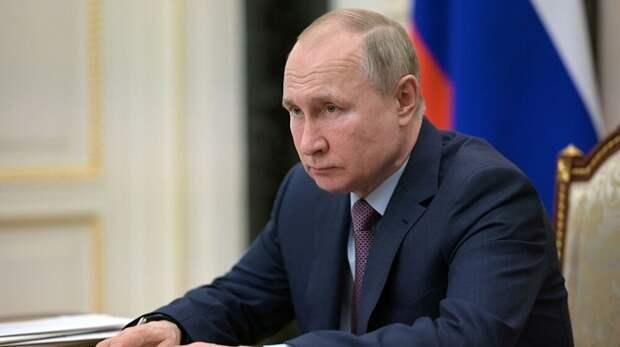 Путин поручил продлить туристический кешбэк до конца года