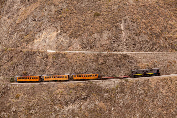 Дорога в облака: 5 самых опасных железных дорог мира