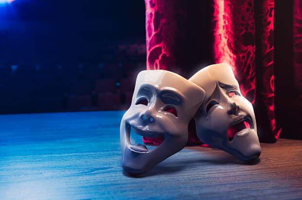 Пенсионеров из Лианозова приглашают на онлайн-занятия по актерскому мастерству