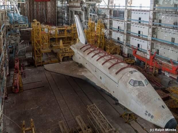 Брошенный и забытый — советский шаттл «Буран» на космодроме Байконур