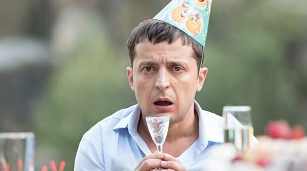 Владимир Зеленский держит в подвешенном состоянии Украину