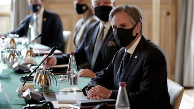 Госсекретарь Блинкен провел переговоры с главой МИД Судана и осудил захват власти военными