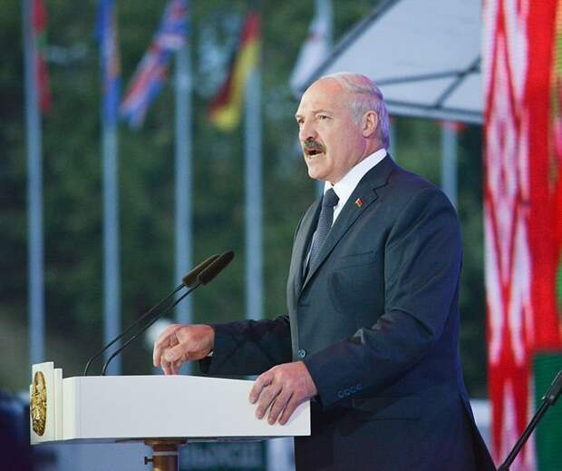 «Динамовская миля» в Ижевске, жара в России и лидерство Лукашенко на выборах в Белоруссии: что произошло минувшей ночью
