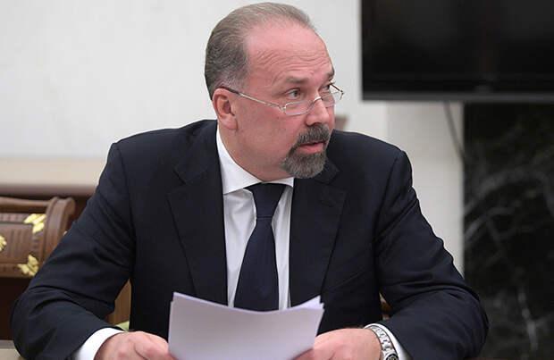 Совет Федерации разрешил задержать Михаила Меня. Его обвиняют в хищении 700 млн
