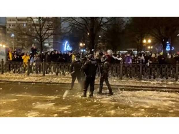 Организаторам незаконных митингов была нужна сакральная жертва