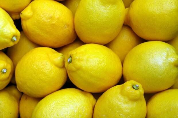 lemons-2039830_1280-1024x678 Лимон: 5 полезных свойств для кожи