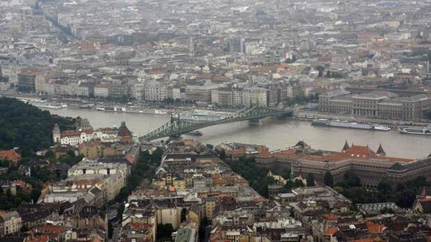 «Свободу Европе»: Документы об освобождении Венгрии напомнили россиянам «Майский вальс»