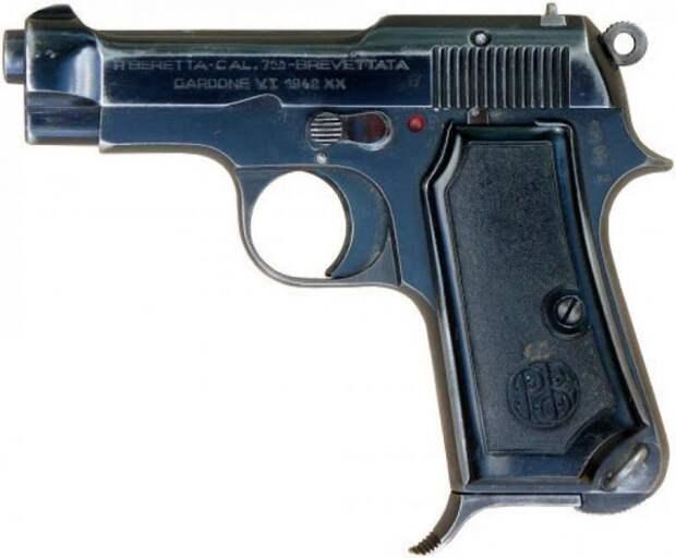Что за пистолет получил Семён Семёныч?