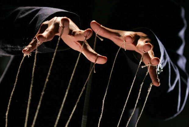 8 признаков, что ваш партнер на самом деле пытается манипулировать вами: