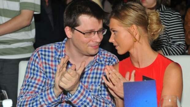 Друзья Харламова назвали возможную причину развода с Асмус