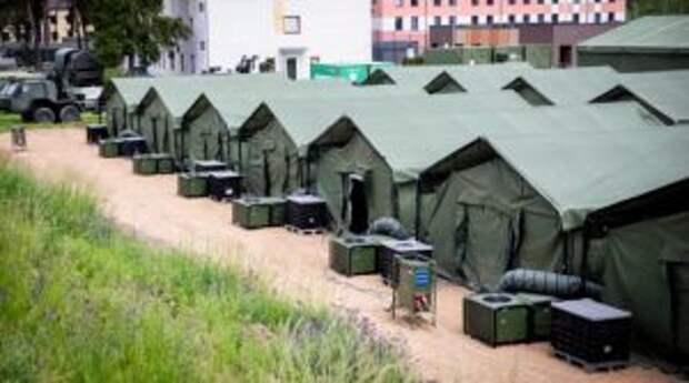 Бронетехника и военные вертолеты: ситуация на границе Литвы и Белоруссии накаляется