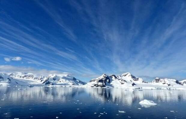 Физики раскрыли тайну радиосигналов из недр Антарктиды