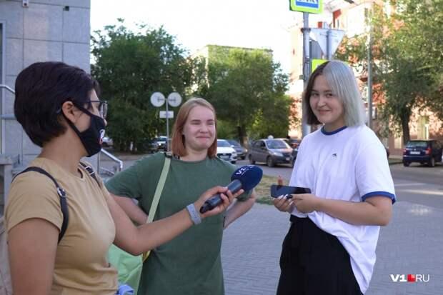 «Артемий, ты не прав»: волгоградцы ответили дизайнеру Лебедеву на оскорбление «Родины-матери»