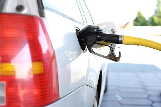 Козак рассказал о росте цен на бензин в 2019 году