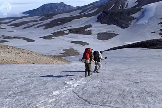 Вулканические газы и медведи: непростая экспедиция геологов Академгородка на Курилы