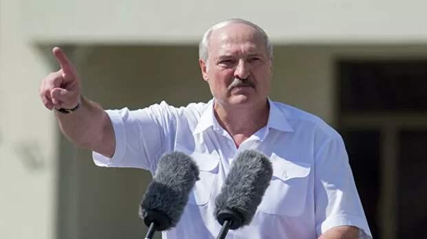 Лукашенко сравнил ситуацию у границ с началом Великой Отечественной войны
