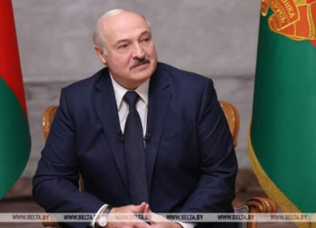 Лукашенко: За политическими авантюрами продажной элиты важно не потерять братский народ Украины