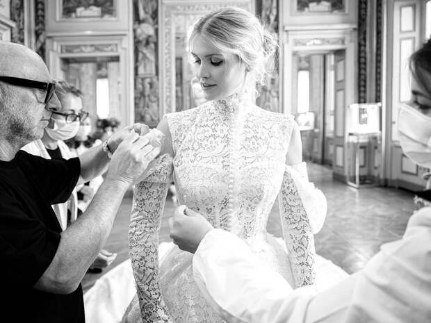 Свадебное платье Китти Спенсер имеет связь с принцессой Дианой