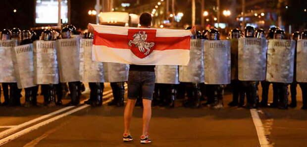 Председатель Европейского совета Шарль Мишель, призвал в понедельник власти Белоруссии, отказаться от применения силы, в отношении протестующих