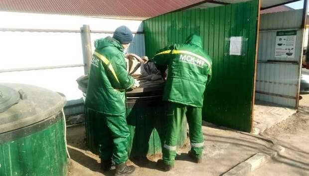 Регоператор Подольска начал менять мешки в заглубленных контейнерах