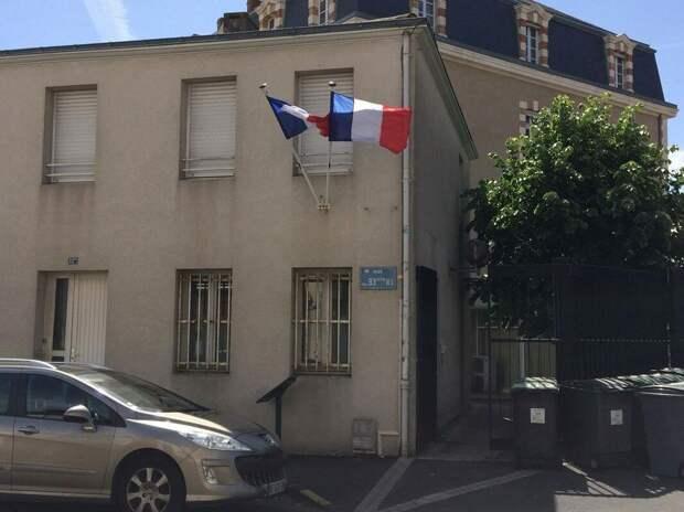 Париж проголосовал за коммунистов