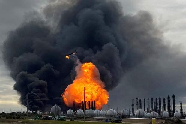 Огненный ад в США: десятки тысяч жителей эвакуировали после взрывов, в воздухе отравляющие вещества (ФОТО, ВИДЕО)