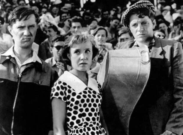 Кадр из фильма *Неподдающиеся*, 1959 | Фото: ygashae-zvezdu.livejournal.com