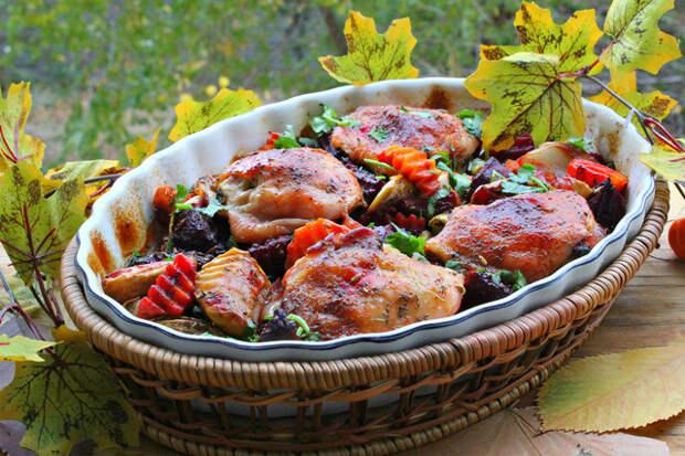 Фото к рецепту: Куриные бедрышки в деревенском стиле