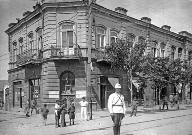 Какому городу из бывшего СССР 2800 лет? Он старше Рима