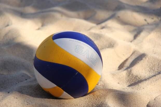 Соревнования по волейболу прошли на обновленном стадионе «Перспективы»