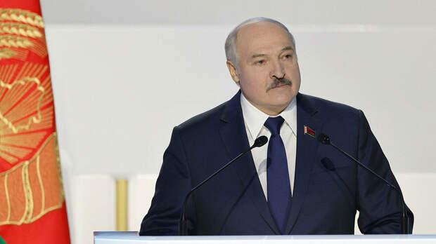"""Лукашенко объявил о принятии """"серьезнейшего за четверть века"""" решения"""