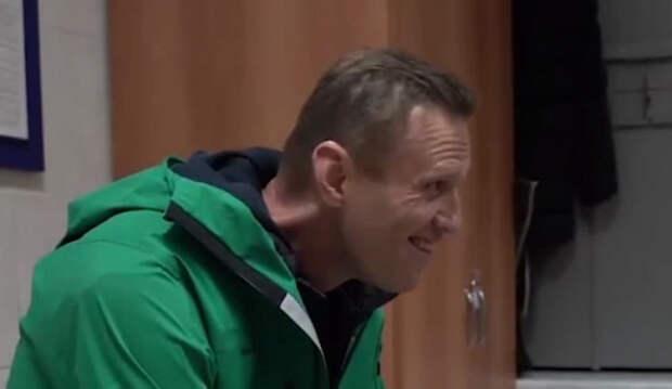 Болезнь или игра: психолог проанализировал пугающую мимику Навального