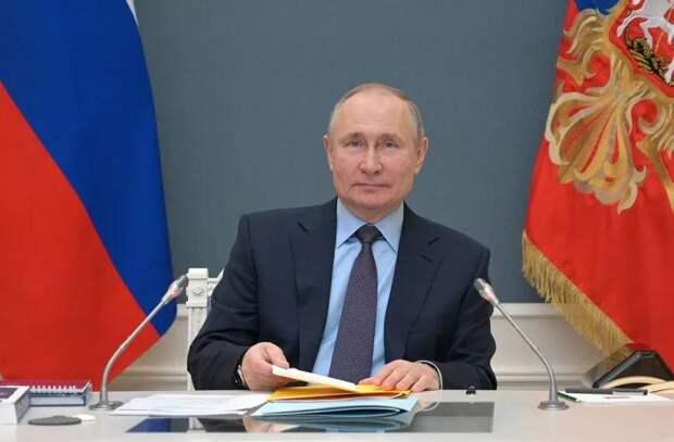 Путин призвал всех россиян привиться от COVID-19