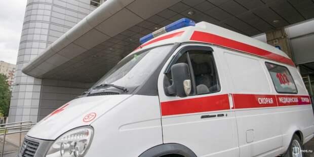 Ребенок выпал с балкона четырнадцатого этажа дома на Синявинской