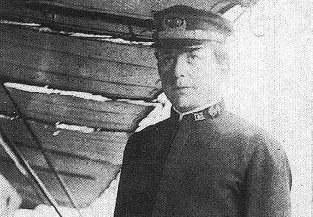 Капитан Джордж У. Уорли, командующий Циклопом