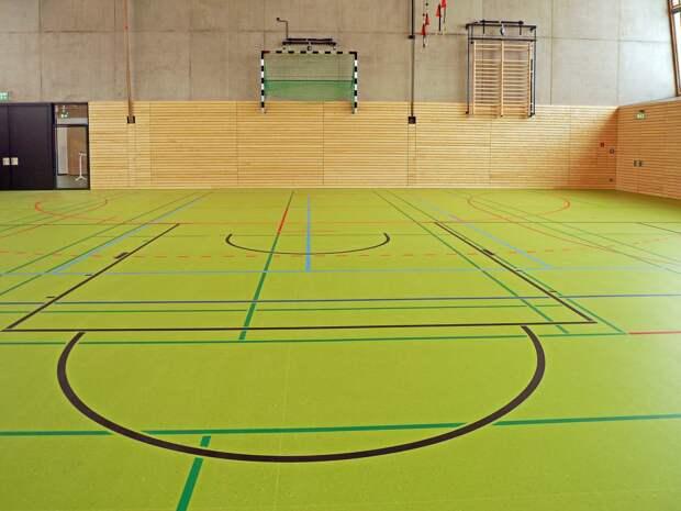 В 12 сельских школах Удмуртии отремонтировали спортивные залы