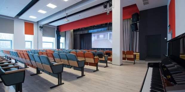 Собянин открыл новое здание клуба «Современник» на северо-западе Москвы. Фото: Д. Гришкин mos.ru