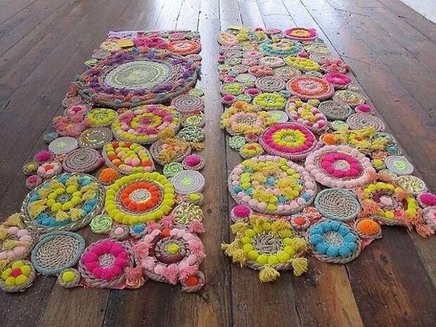 Цветочный плетеный коврик из ниток своими руками