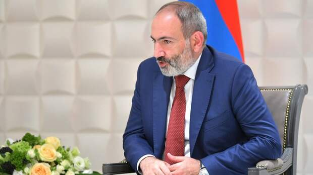 """""""Извиняюсь..."""": Заявления Пашиняна о Карабахе начались не в боевом тоне. Путин взял паузу"""