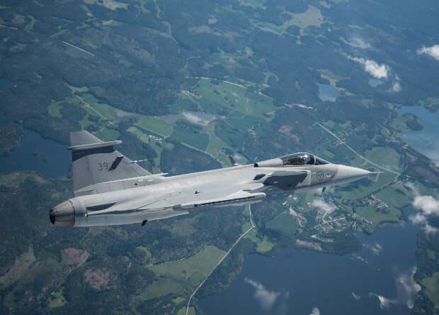 Началось серийное производство истребителей Gripen нового поколения