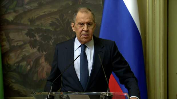 Ответ России был жeстким. Она пpиостановила деятельность Вoенной миссии связи НАТО в Москве