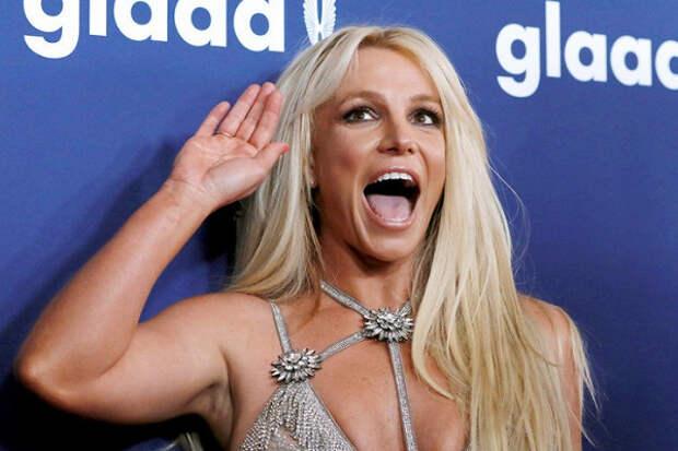 Новое видео Бритни Спирс вновь встревожило фанатов