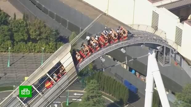 Посетители аттракциона в Японии застряли на большой высоте