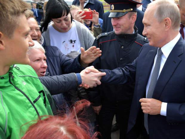 Путин пародирует последнюю советскую утопию