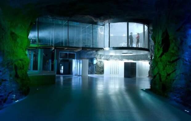 Дата-центр в настоящем ядерном бункере. /Фото: gradremstroy.ru