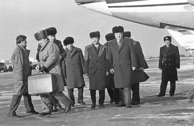Система «Казбек»: как у «вождей» СССР появился Ядерный чемоданчик