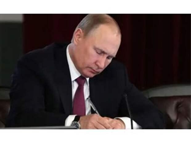 Очевидно одно: Россия фактически была ограблена