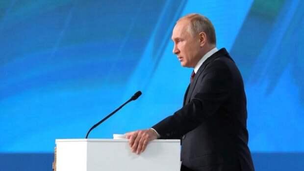 Социальные меры из послания Путина не остановили падение рейтинга
