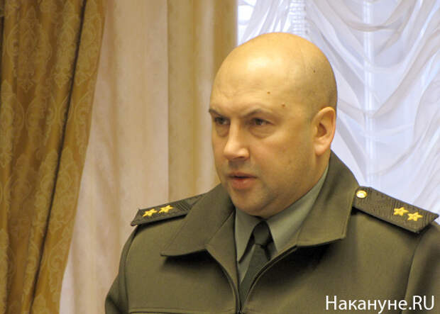 начальник штаба ПУрВО Сергей Владимирович Суровикин(2010)|Фото: Накануне.RU