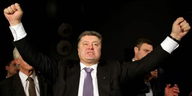 """53 миллиона долларов спасут """"гиганта демократии"""": США выделят Порошенко чуть-чуть денег"""